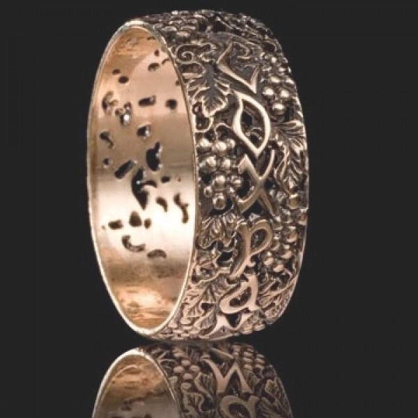 Кольцо с молитвой из красного золота