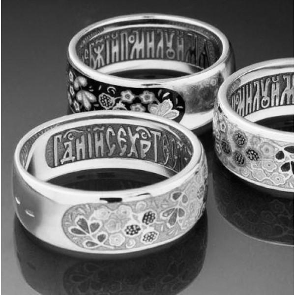 Кольцо из платины с молитвой и эмалью
