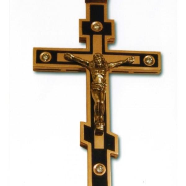 Крест из красного золота с бриллиантами и эмалью
