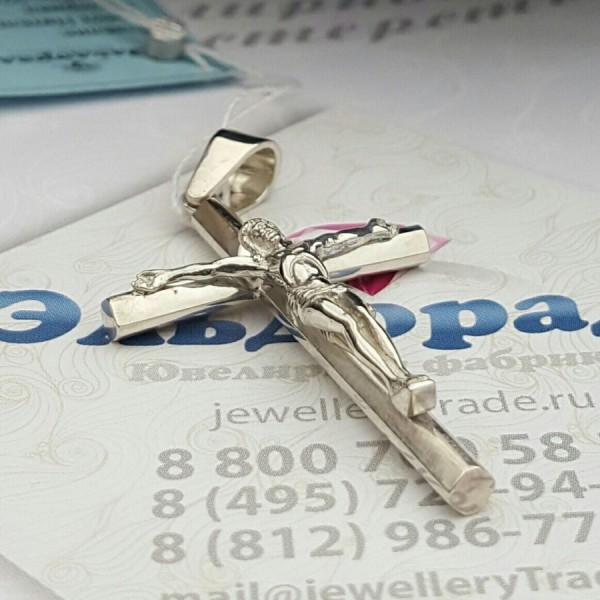 Православный нательный крест с распятием из белого золота